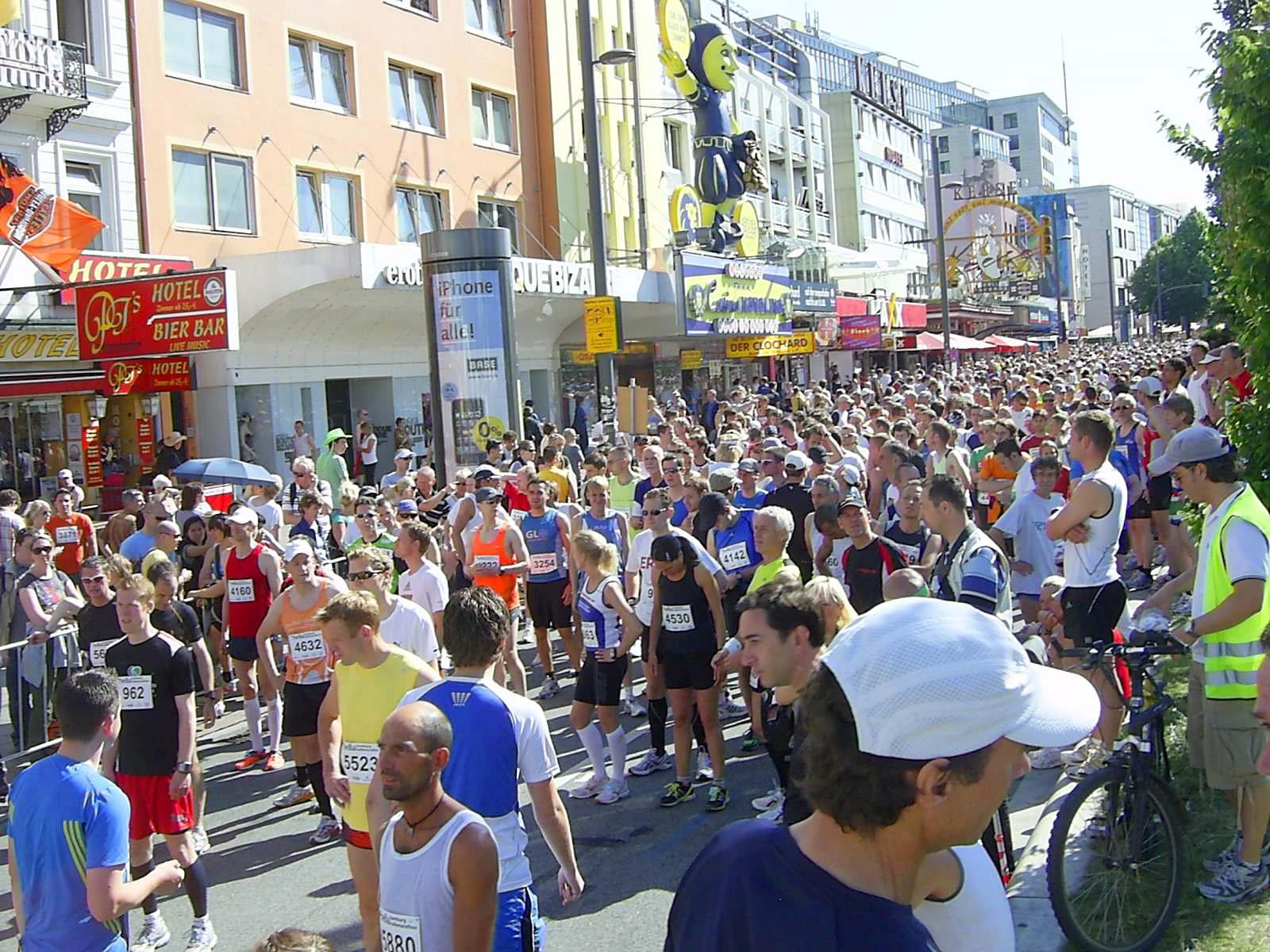 16. hella Halbmarathon 2010: Nur noch wenige Minuten bis zum Start
