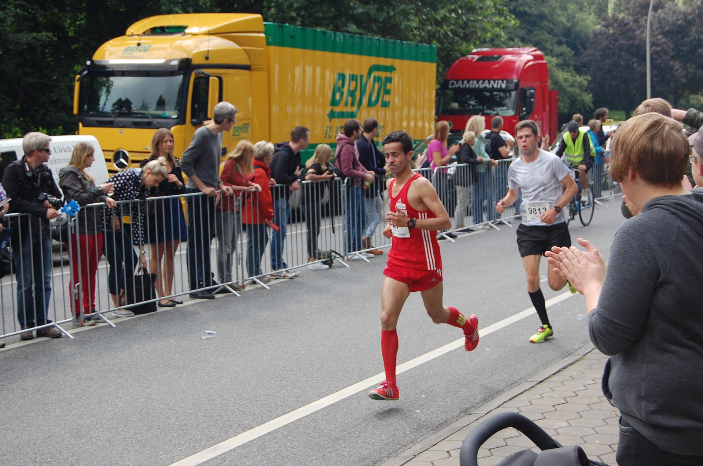22. hella Halbmarathon: vorderes Feld auf der Helgoländer Allee