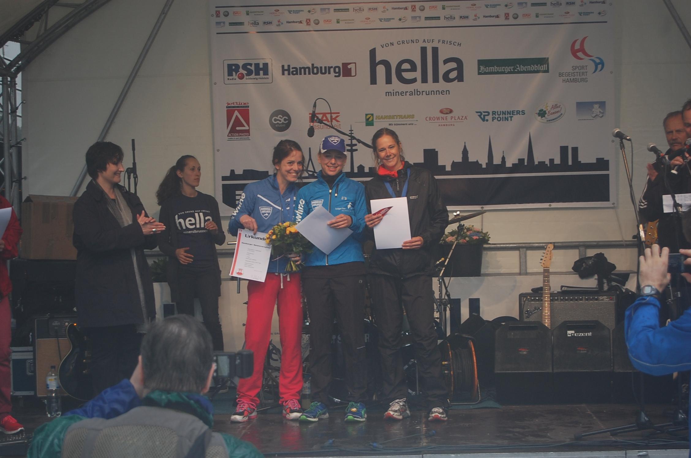 18. hella Halbmarathon: Siegerehrungen Hamburger Meisterschaft Frauen Mannschaft