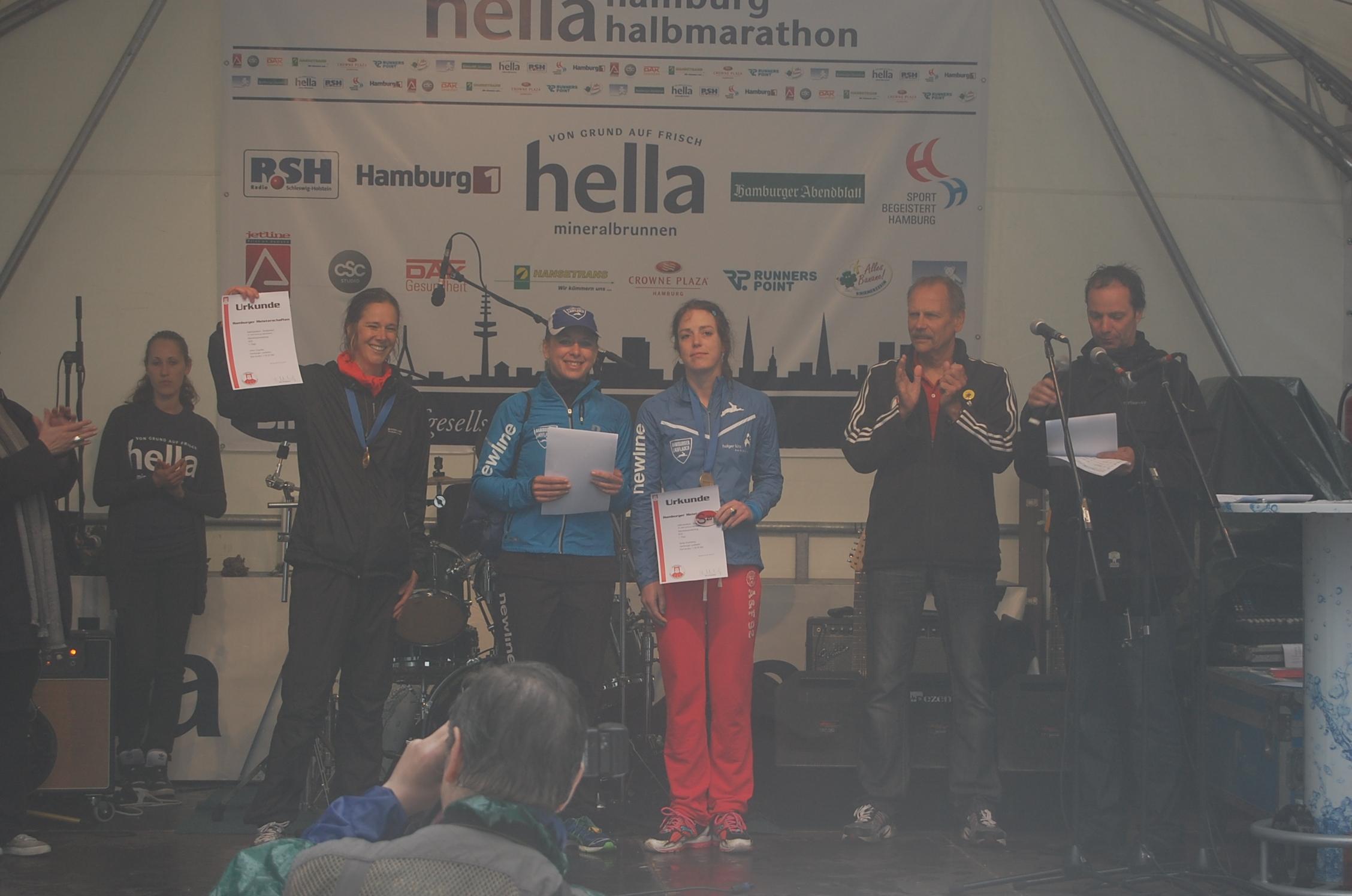 18. hella Halbmarathon: Siegerehrungen Hamburger Meisterschaften Seniorinnen
